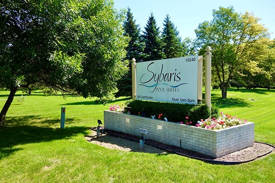 Sybaris Pool Suites Mequon