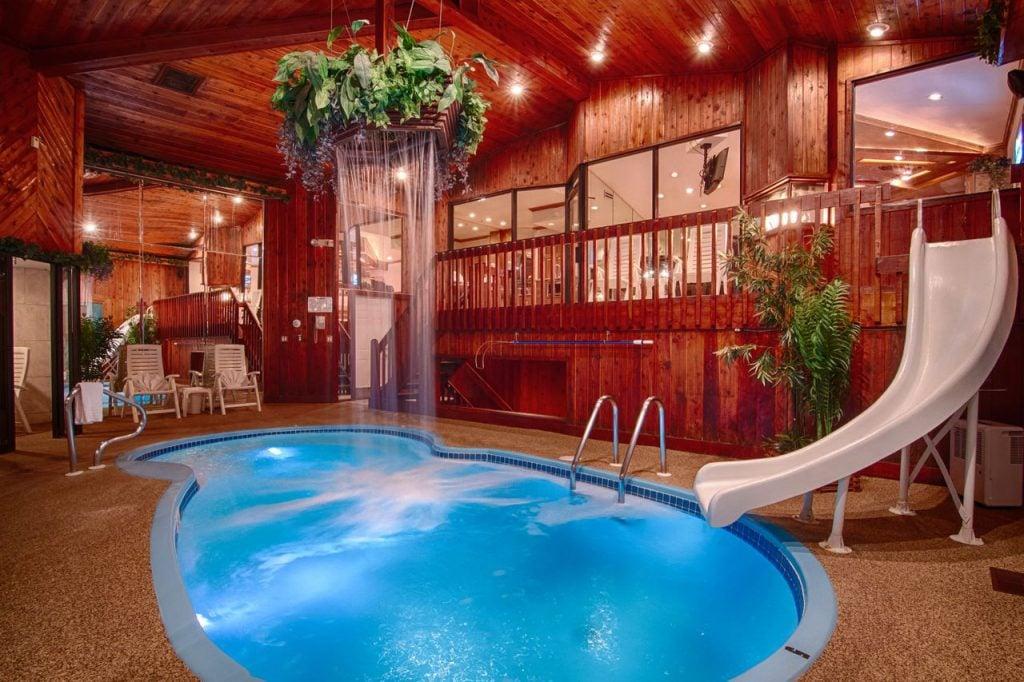 Mequon Chalet Pool Suite